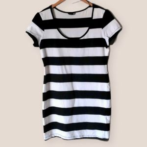 H&M Black & White Striped T-shirt Dress Size L